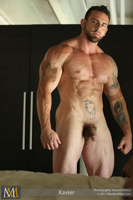 Hairy muscle nude