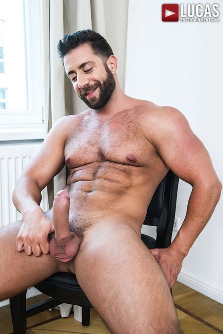 Thick-bearded muscle bear with a big hard-on.