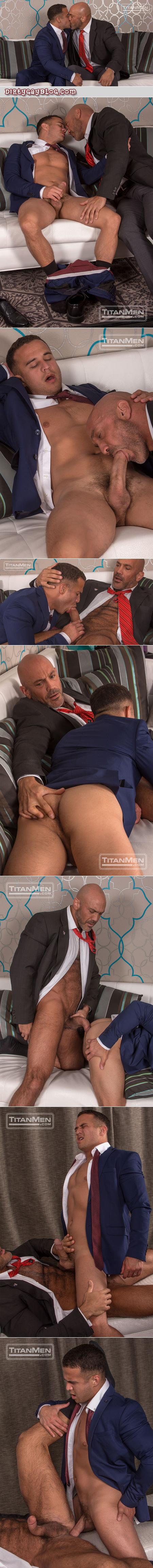Hairy muscle Daddy flip-fucking.